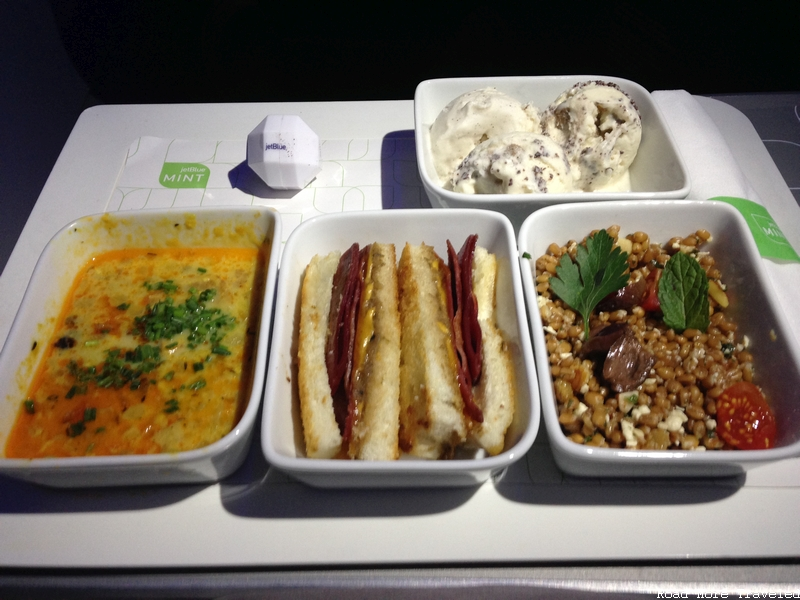 jetBlue Mint - redeye dinner service