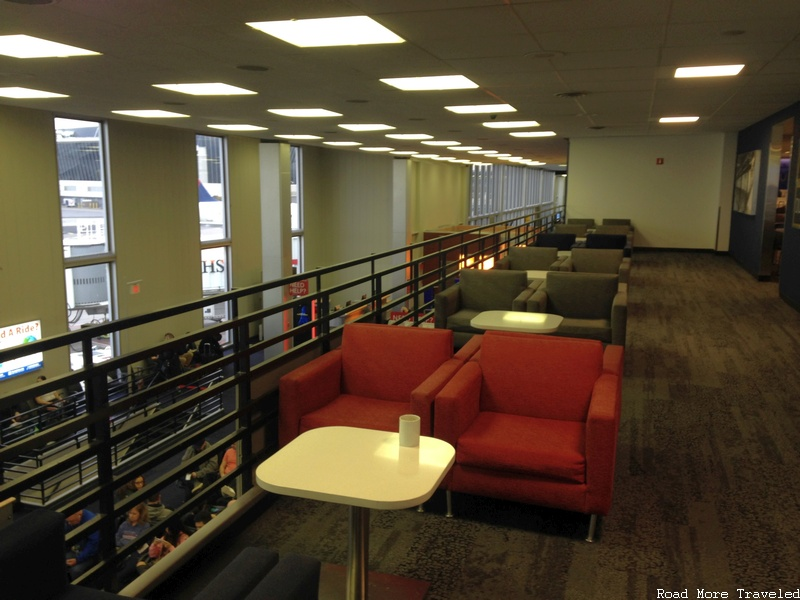 Delta SkyClub JFK Terminal 2 - more terrace seating
