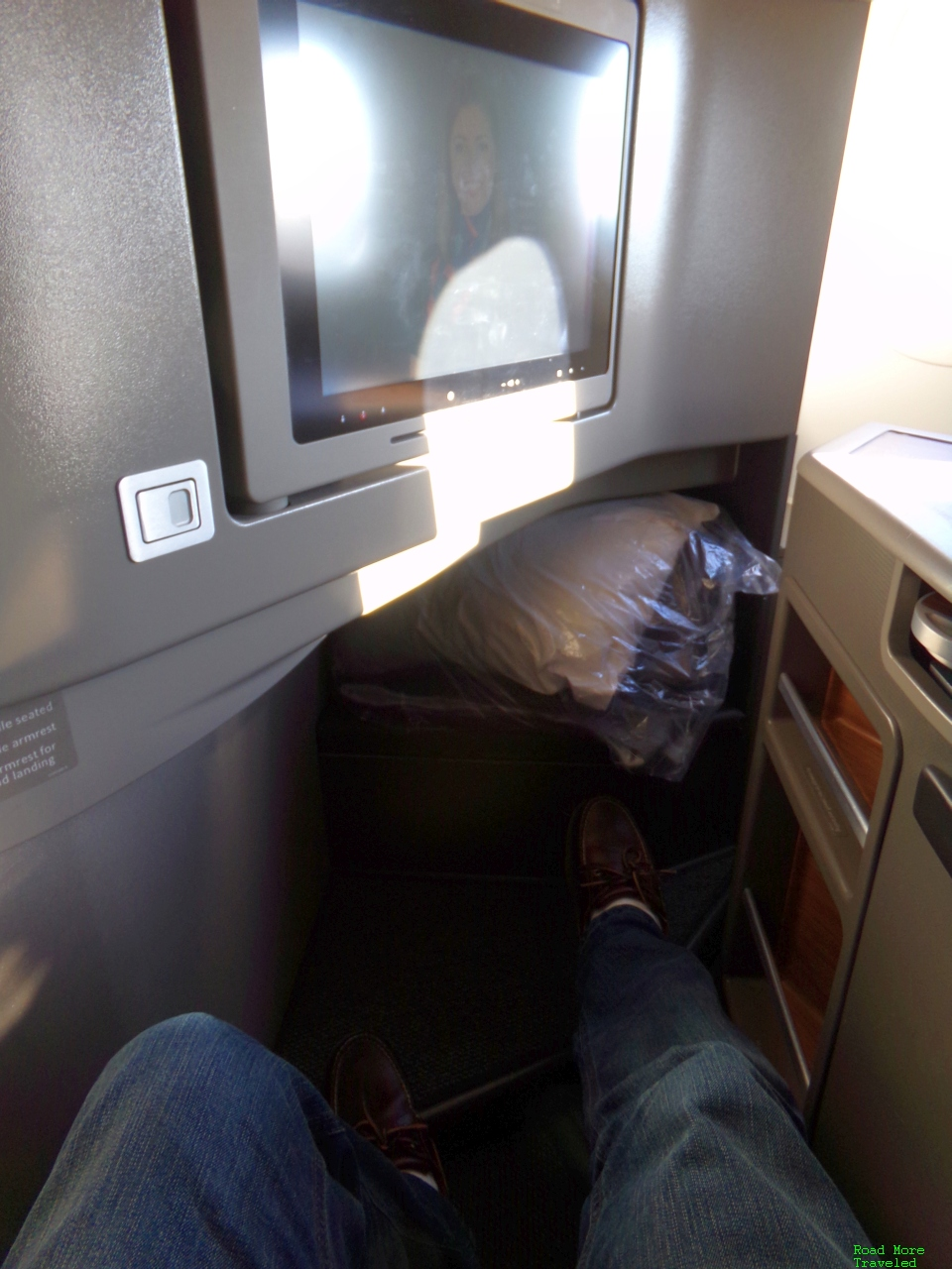 American Airlines A321T First Class seat - legroom and pitch