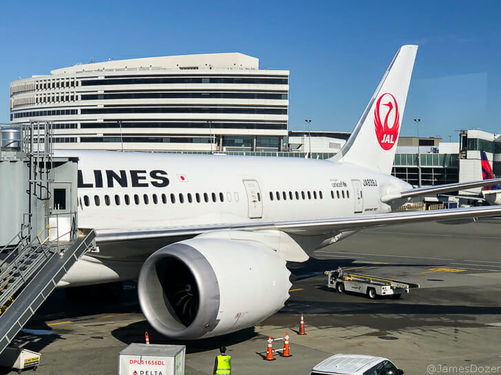 Japan Airlines 787-8 at SEA